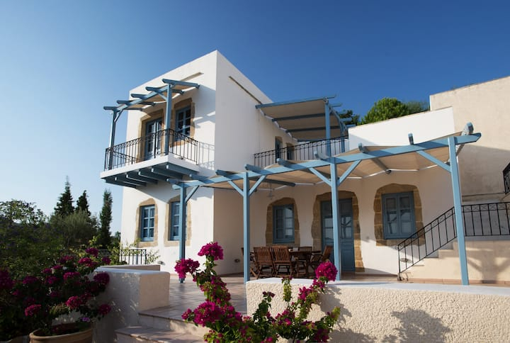 Beautiful Traditional Villa in Patmos