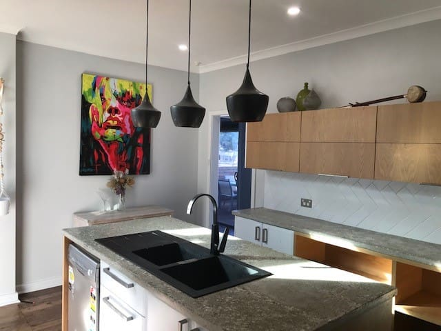 SMICK 4 bed, 2 bath, Airport, Swan Valley, CBD