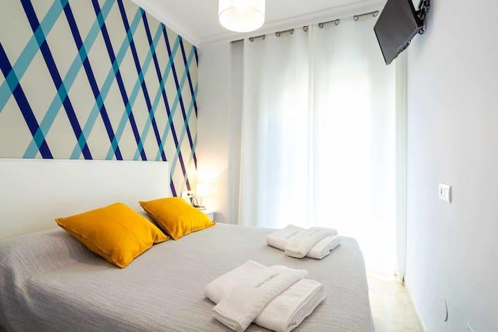 103 Habitación Económica con vistas a calle peatonal y cama de 135 cm.
