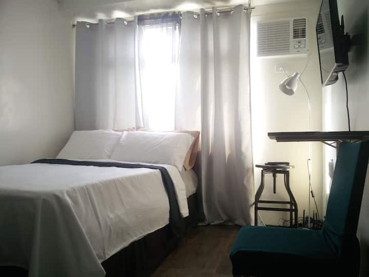 Cozy Studio @ EDSA nr Shangri-la Megamall