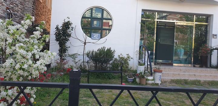 해운대중동역 #5분거리# 잔디마당이 있는하우스..!!! 단체여행에 딱# 코로라소독철저!!