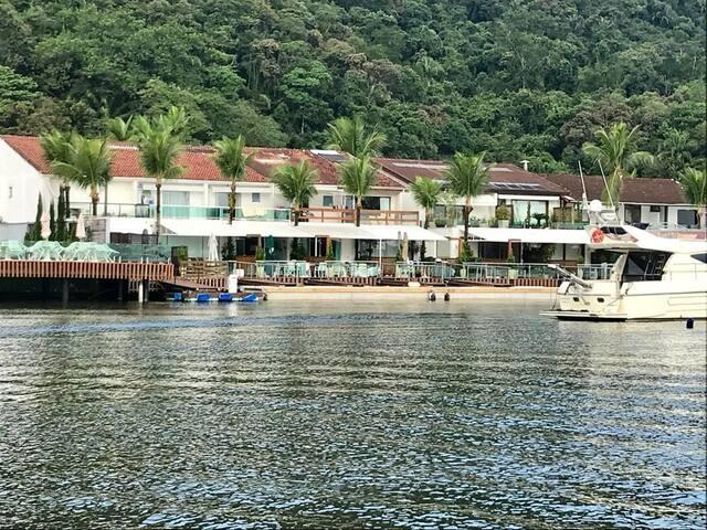Marina Del Rey Premium