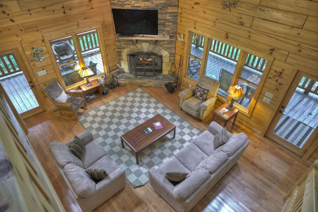 Mountain Blessing - View of Living Area
