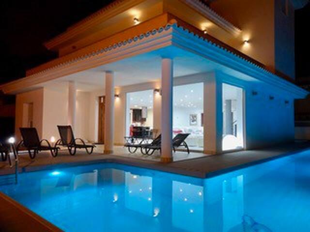 Villa Anneli - Luxury Villa in Cabo Roig