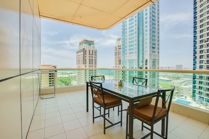 Sea View Studio 10min from JBR beach Royal Oceanic