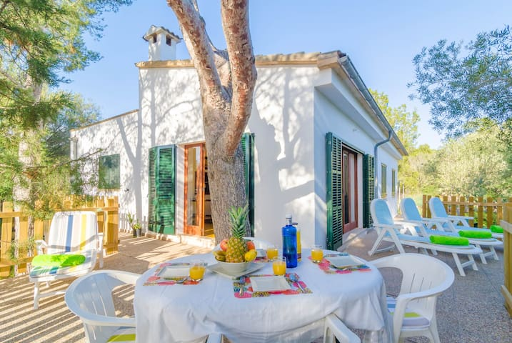 ES JAÇ - Chalet for 6 people in Cala s'Almonia.