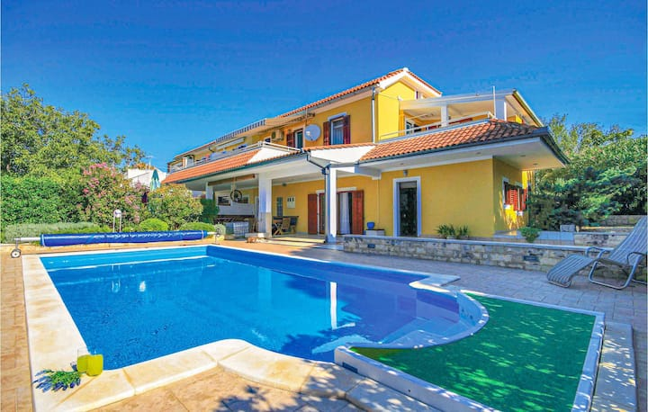 Amazing home in Dubrava with WiFi and 3 Bedrooms