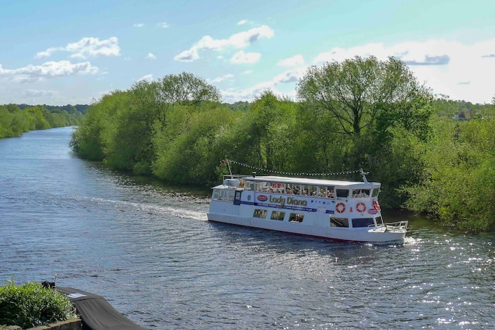 No.6 - B&B. on the River, Chester.