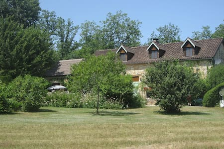 B&B for 2 adults in idyllic cottage + pool - Tourtoirac