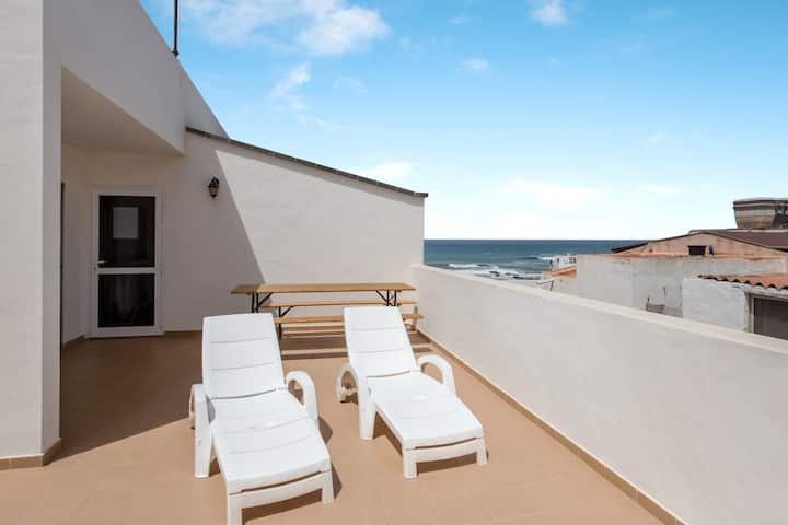 Central Apartment Miguel Benitez On the Beach with Rooftop Terrace, Ocean View & Wi-Fi