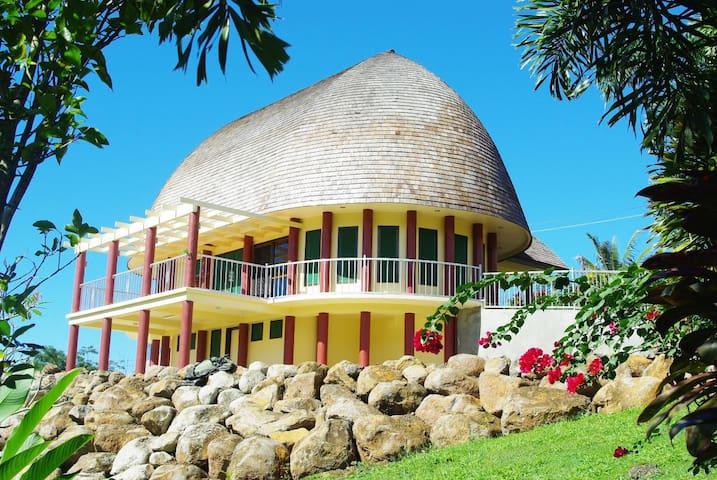 Samoan Highland Hideaway - Fale Samoa