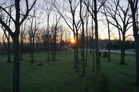 Vacation on Farmland - Tillsonburg - 公寓