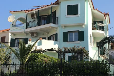 Nice flat near center and sandy beach - Μύρινας