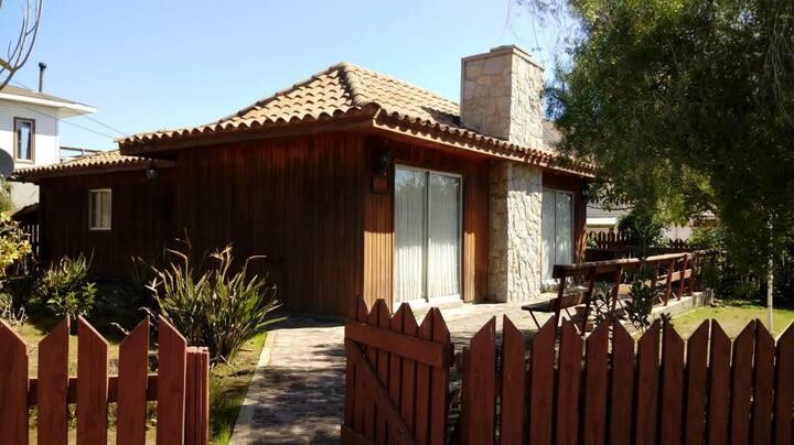 Acogedora Casa Algarrobo