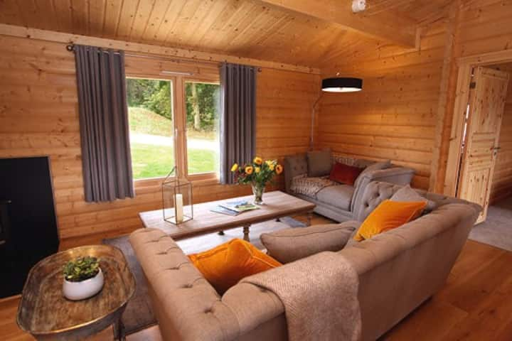 Luxury lodges in a stunning, rural lake location
