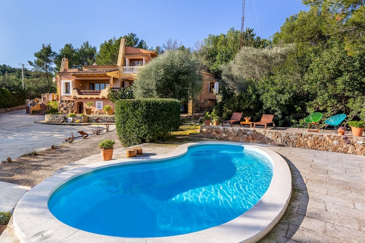Beautiful Villa Terra Rotja with Pool, Air Conditioning, Wi-Fi, Balcony, Terraces & Mountain Views; Parking Available, Pets Allowed on Request
