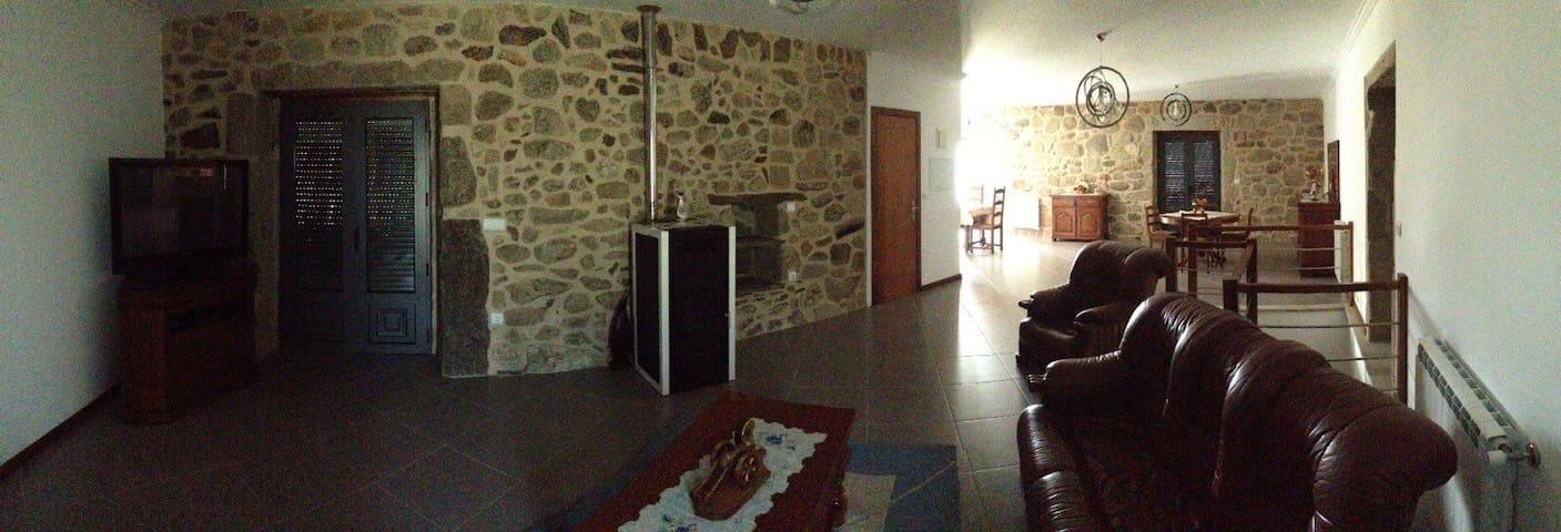 Maison sous le soleil du portugal - Labruja  - House