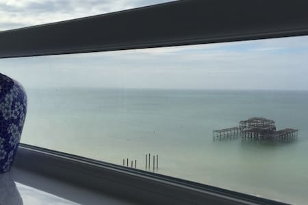 Double room in seafront appt with direct sea views - Brighton - Wohnung