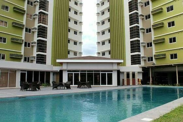Pool & Fitness Studio With View - Mandaue - Huis