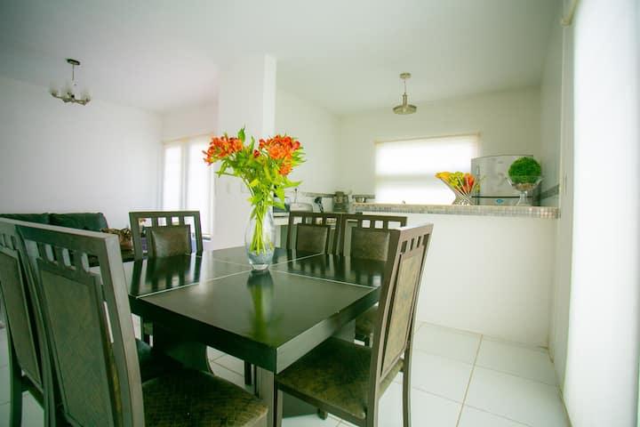 Casa cómoda y segura en Hacienda Chetumal