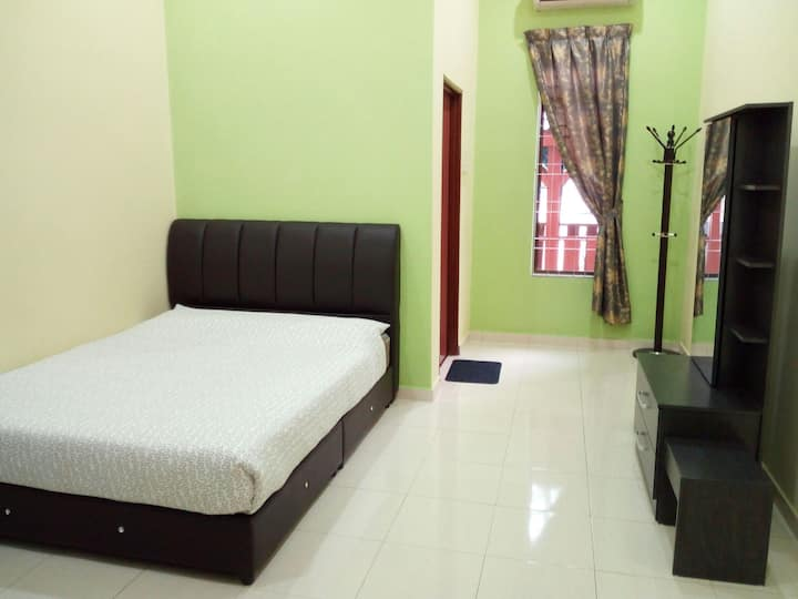 ArRayyan Homestay Taiping (2nd floor)