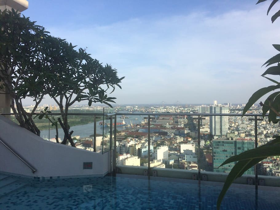 Our beautiful roof top swimming pool ! A perfect place to relax after a long shopping day in the vibrant Saigon :)