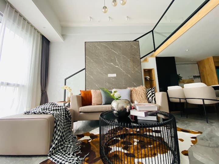 【流沙】市中心CBD高层海景LOFT公寓·网红设计师民宿·坚果投影·聚会轰趴·生日Party