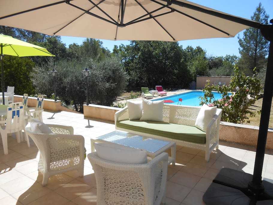 Appartement au calme avec piscine apartments for rent in for Cash piscine saint maximin