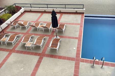 Departamento  piscina en la playa - Manta
