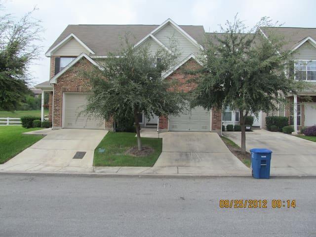 Great Location Home in San Antonio