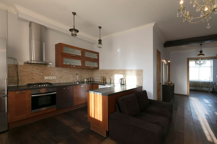 4 room (2 bedroom) apartment in the city Centre - Moskva - Daire
