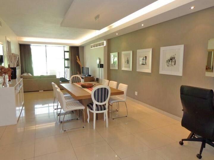 Specious Neat 2 bedroom apartment in Durban.