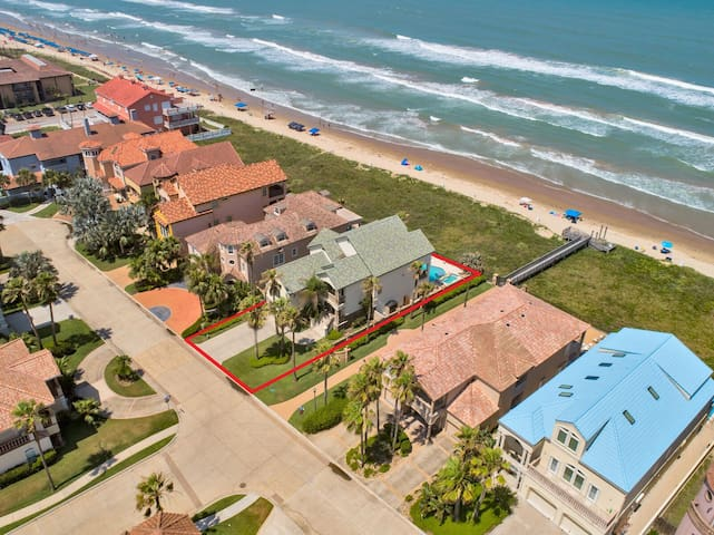 Unique Ocean Front House with Large Private Pool & Hot Tub Overlooking Gulf!