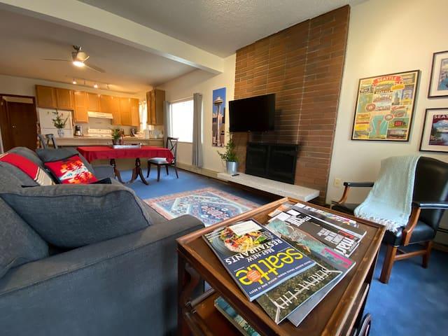 Classic Seattle Neighborhood Apartment