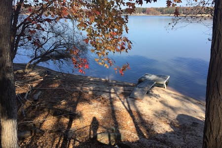 Lakeside Luxury - Buffalo Junction - Dom