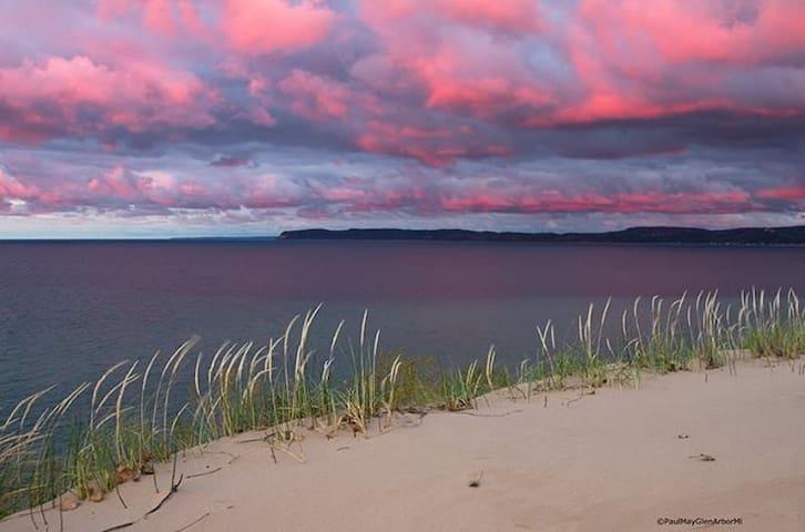 Beautiful Lake Michigan only 10 minutes away.