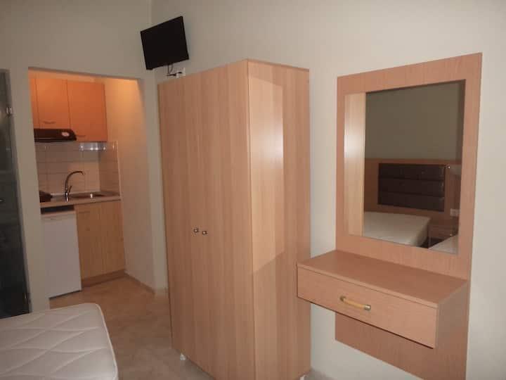 Hotel Dioni triple room