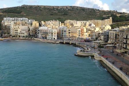 Apartment with fantastic seaviews - Iż-Żebbuġ - Lejlighed