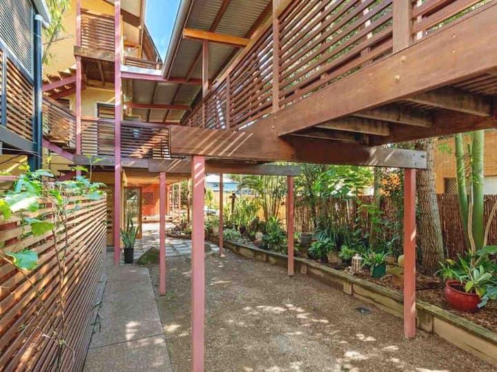 Exotic Tree-top Villa, Evans Head