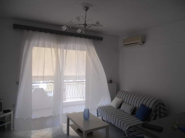 Nafpaktos Sunny Appartment 100m from the beach