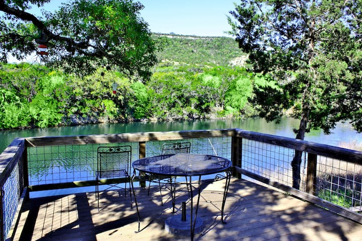 Yellow Rose Ranch - The Texan