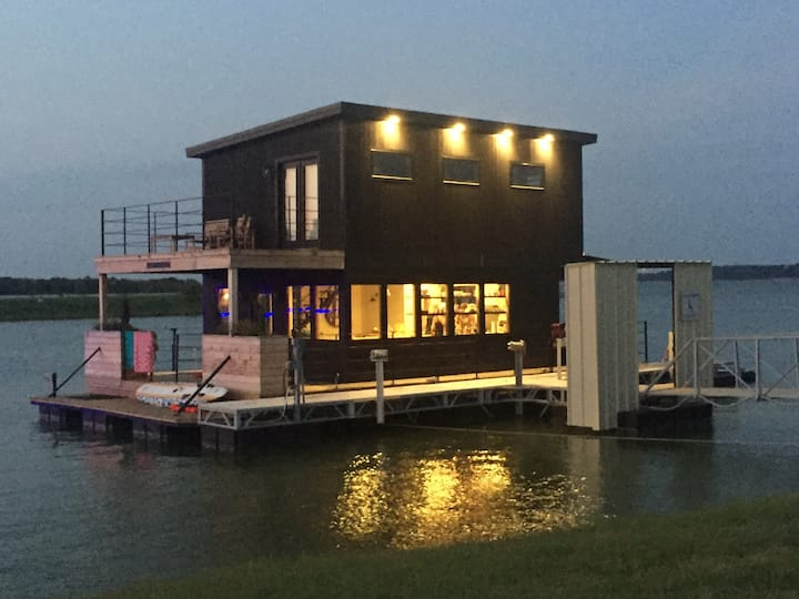 Lake Waco Marina Houseboat as seen on Fixer Upper