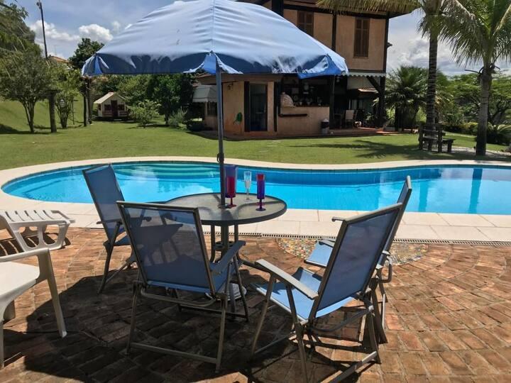 Casa de campo em condomínio de luxo em Guararema