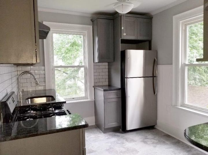 PRIVATE ROOM IN MORRISTOWN IN RENOVATED HOME!!!