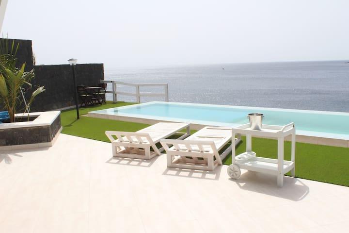 Best Sunset in Praia-Modern house - Praia