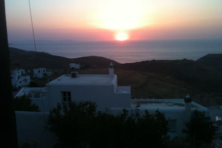 Traditional villa for families or groups. - Serifos