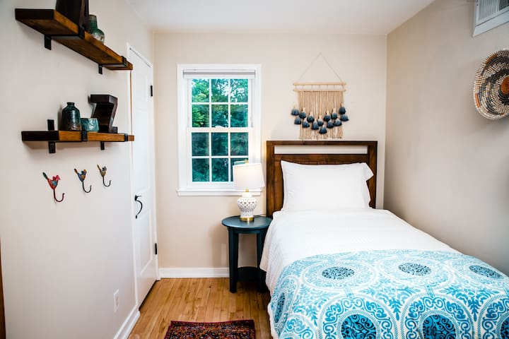 Third upstairs room with luxurious twin bed