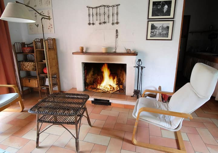 """Casa """"Ginestra """" nel verde del Parco d'Abruzzo"""