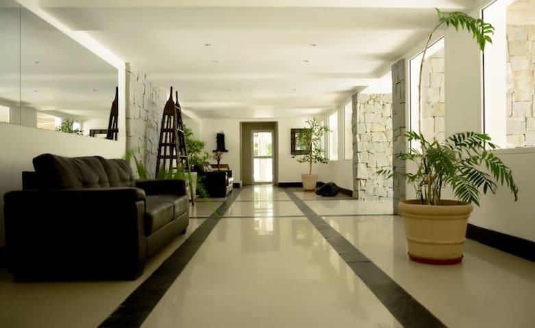 Apartamento Haras Del Lago amoblado prx Aeropuerto - Montevideo - Lägenhet