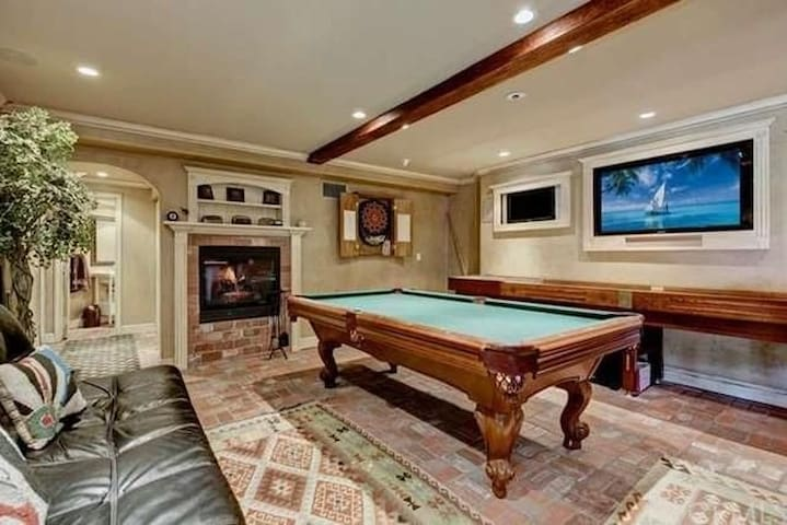 Your party here! Game room and fire pit with view. - Trabuco Canyon - Ev